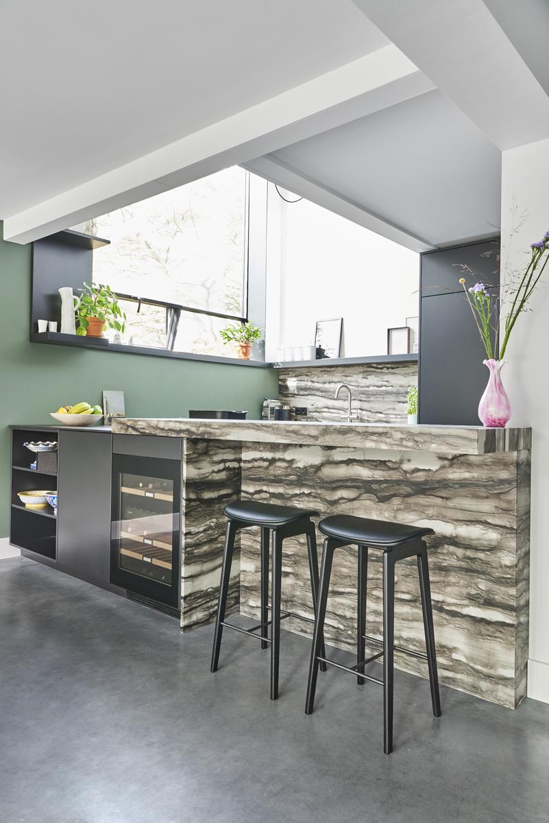 Sequoia Brown kitchen
